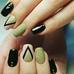 Gold nail art photo