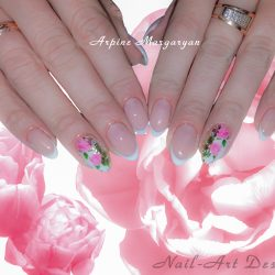 Flower patterns on nails photo