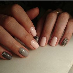 Calm nails design photo
