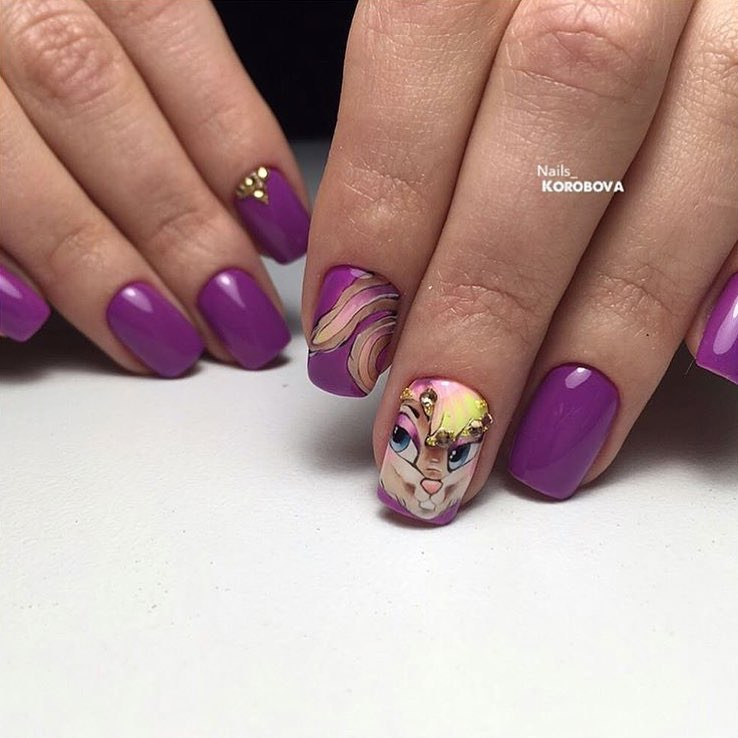 Kid nails with pattern