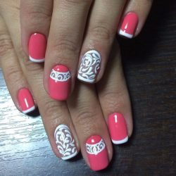 Beautiful patterns on nails photo