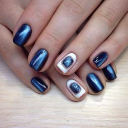 Cat eye short nails photo