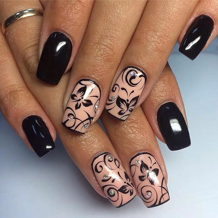 Nails with curls