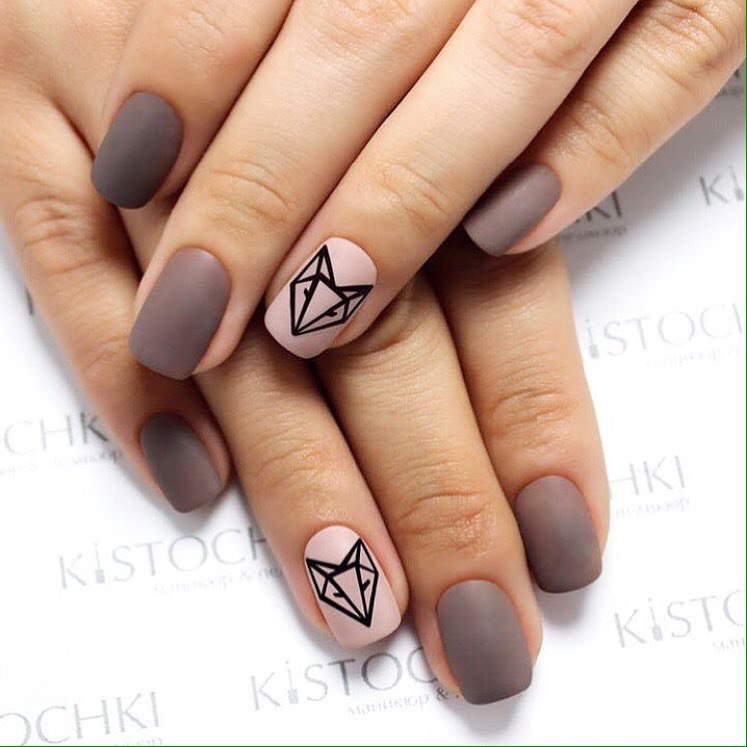 Nailswith animals