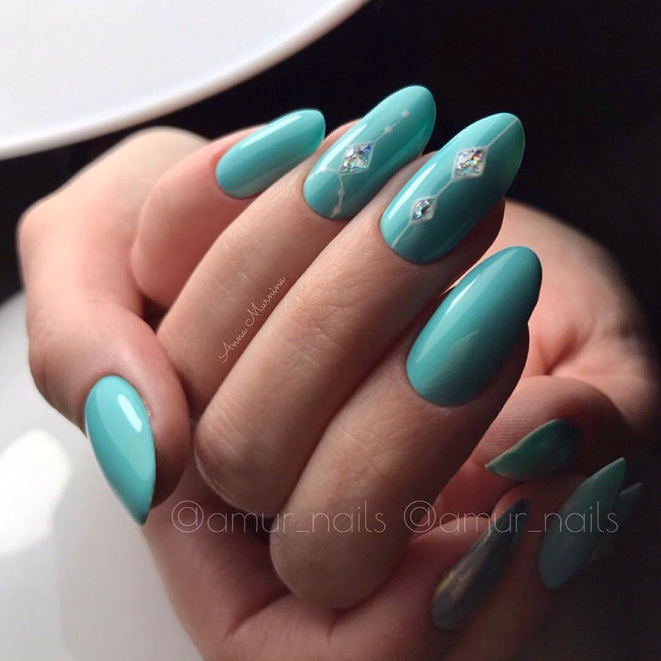 Nails under turquoise dress - The Best Images | BestArtNails.com