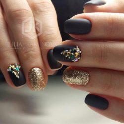 Megan Fox nails photo