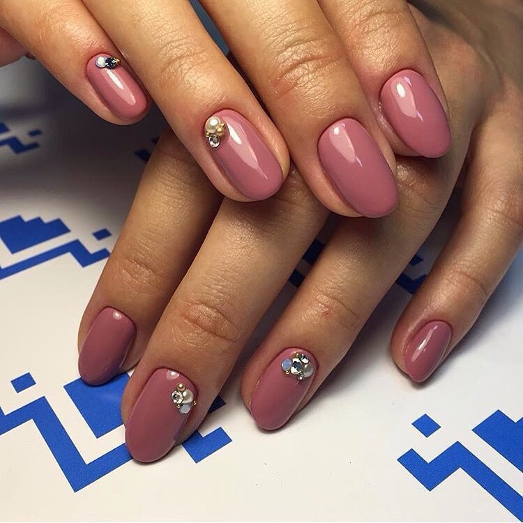 Fashion autumn nails