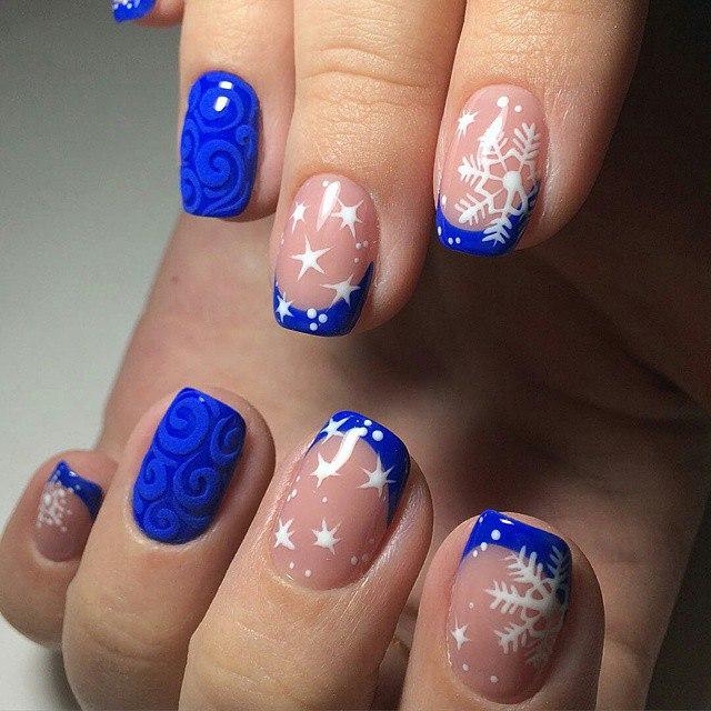 Nail polish for blue dress