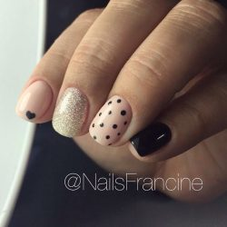 Winter short nails photo