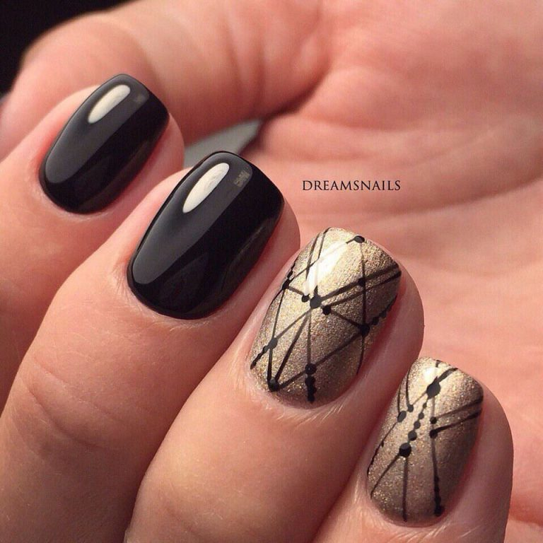Black pattern nails