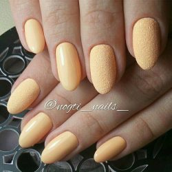 Pale yellow nails photo