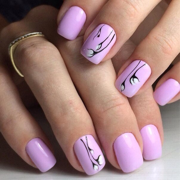 Spring nails with flowers