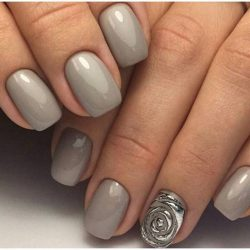 Grey nails with a pattern photo