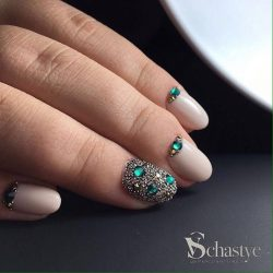 Caviar nails photo