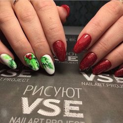 Christmas nails photo