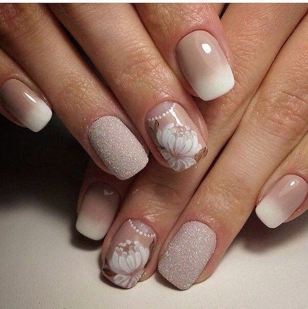 Beige and pastel nails