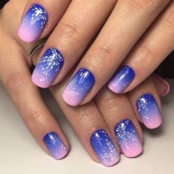 Gradient nails with a transition photo