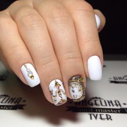 Nails with clock photo