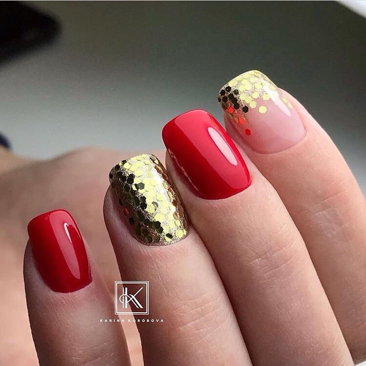Red nail sequins