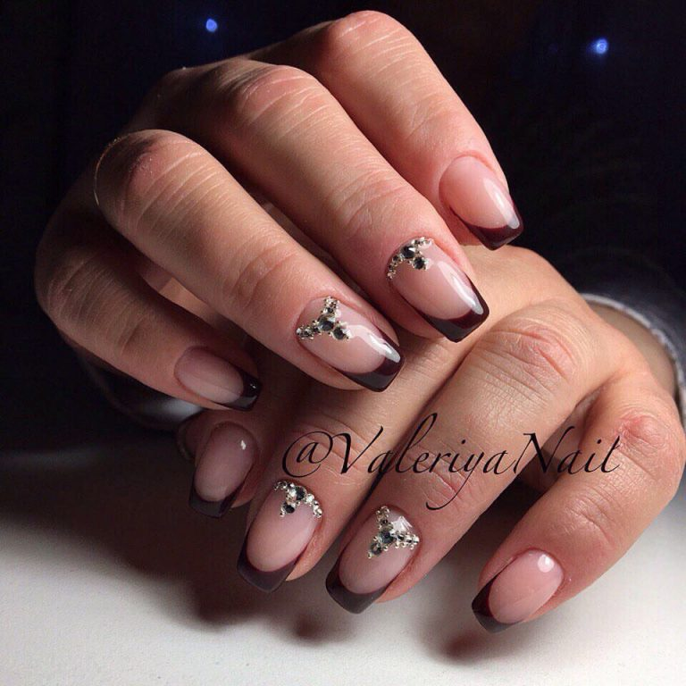 Strict nails