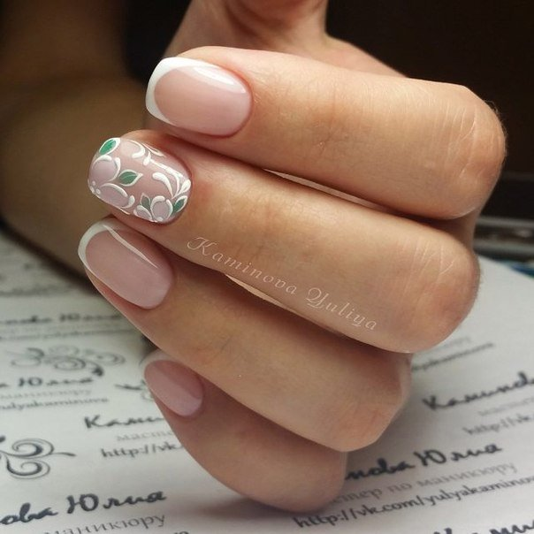 Delicate spring nails