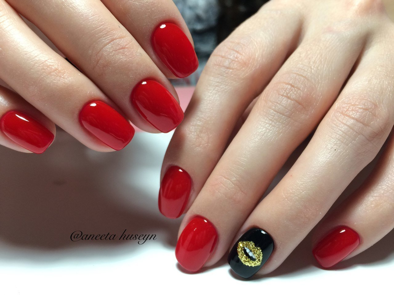 Red dress nails