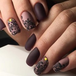 Brown and beige nails photo