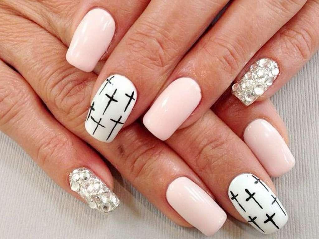 Розовый С Белым Маникюр Дизайн