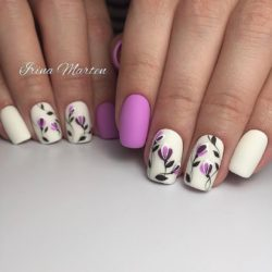 Nails with petals photo