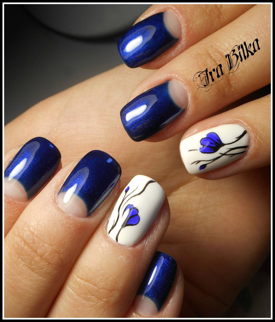 Nail polish for blue dress