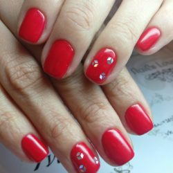 Red nails photo
