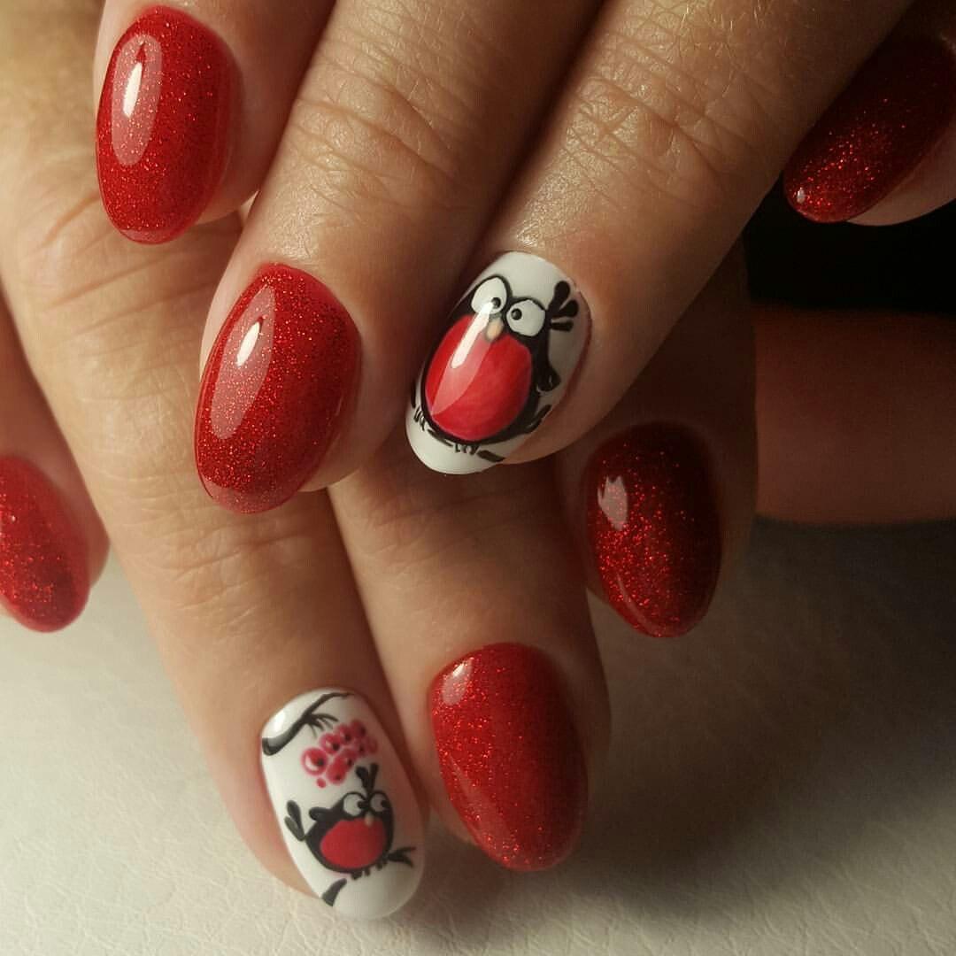 Красный маникюр на средние ногти