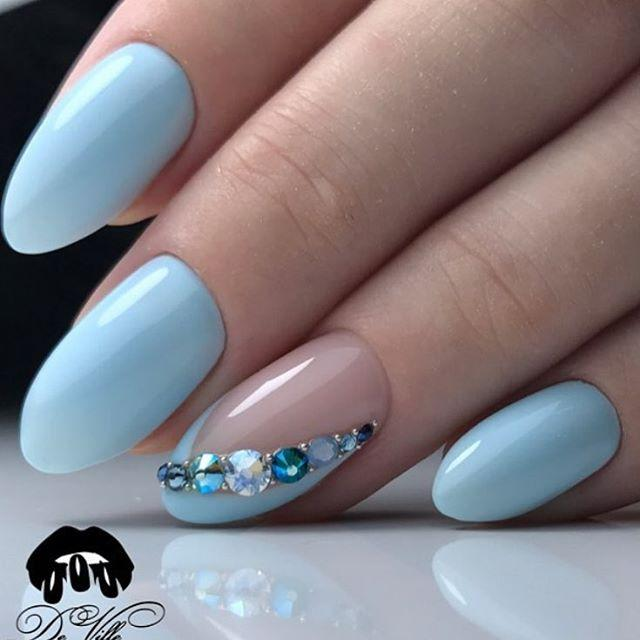 Summer oval nails