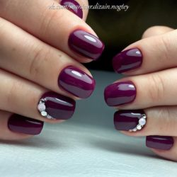 Nails with rhinestones photo