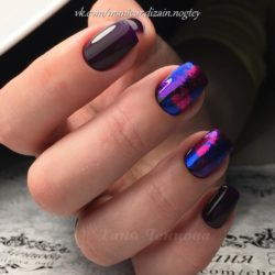 Plum nails with a picture photo