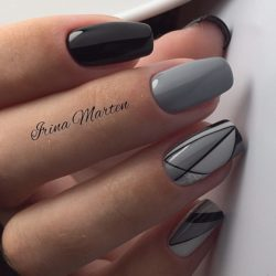 Black and white geometric nails photo