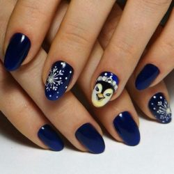Blue nails photo
