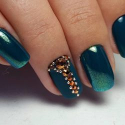 Dark green nails photo