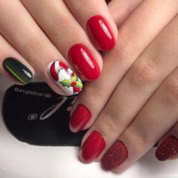 Christmas nails photo