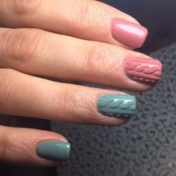 Two-color shellac nails photo