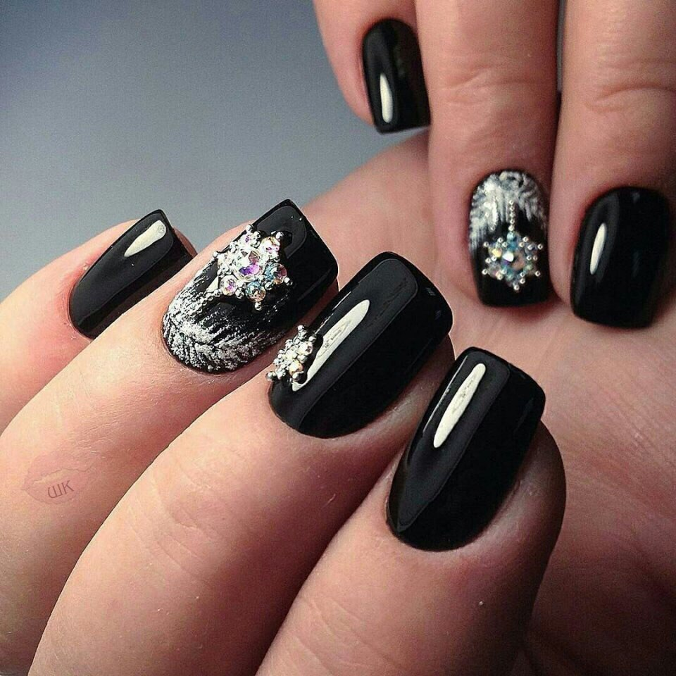 Festive black nails - The Best Images | BestArtNails.com