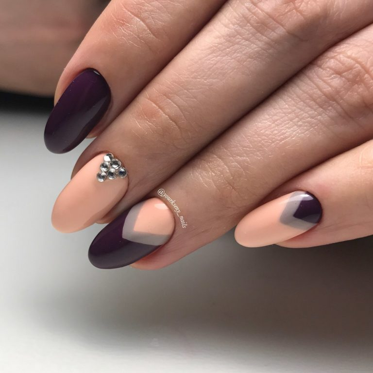 Two-color moon nails