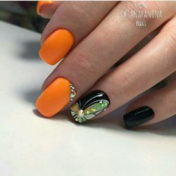 Black and orange nails photo