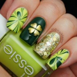 Green nail designs photo