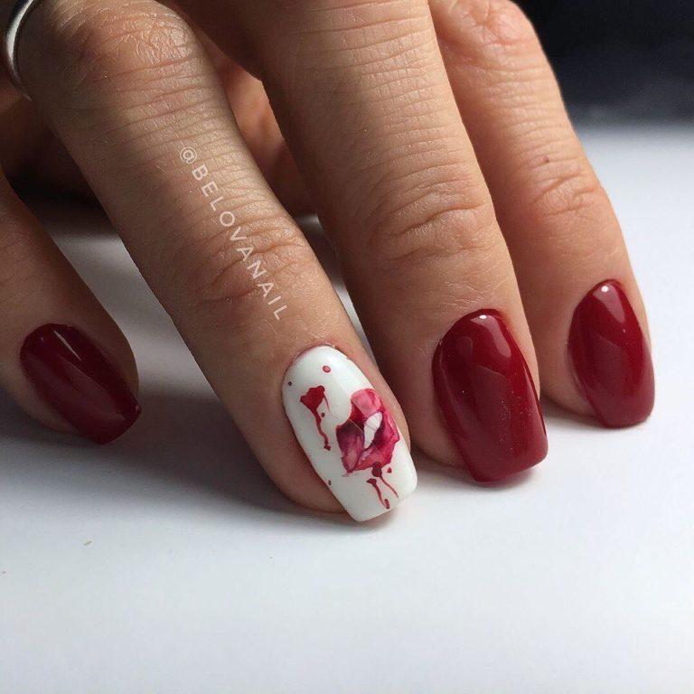 Lips nail art