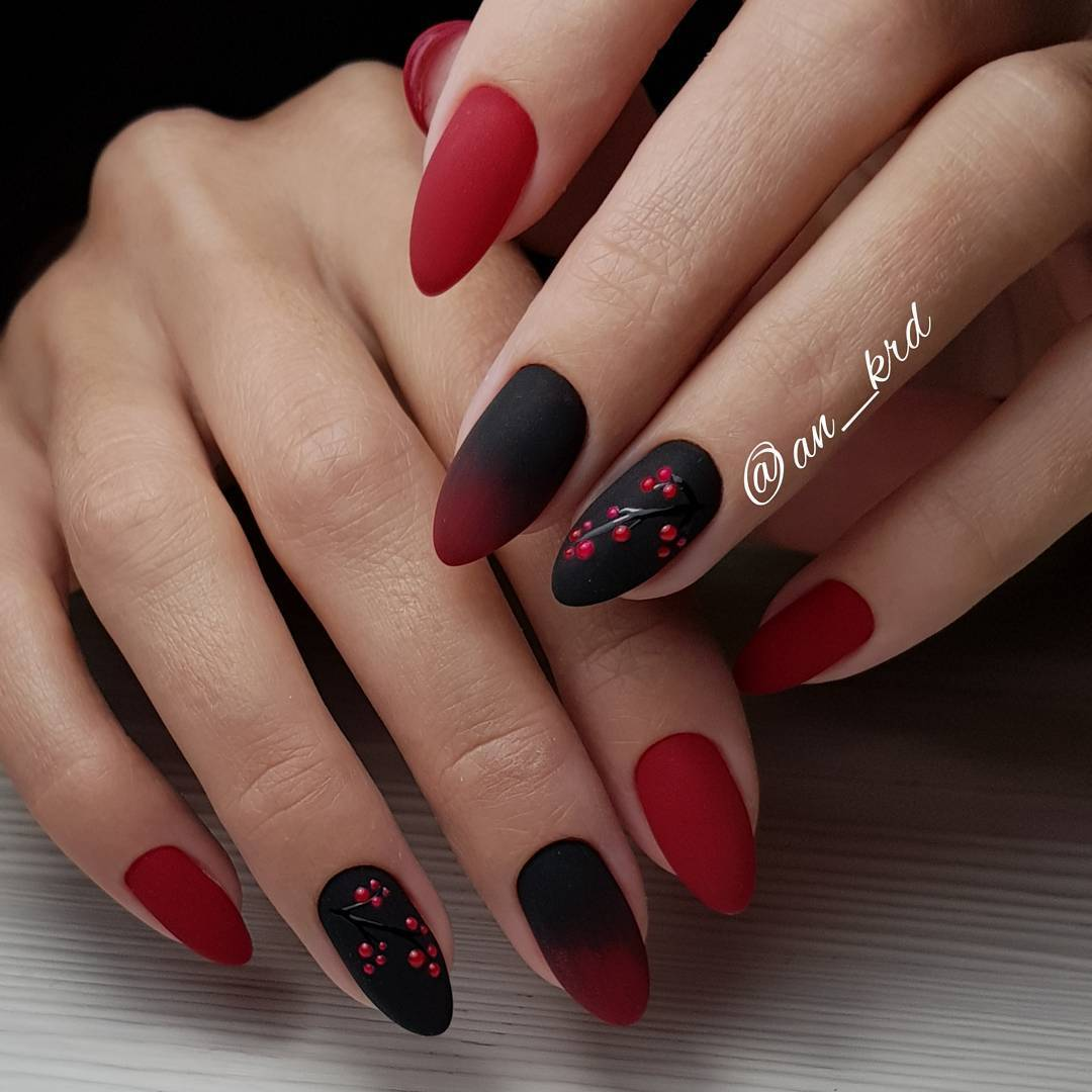 Black Nail Art: Best Nail Art Designs Gallery