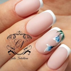Nails ideas with flowers photo