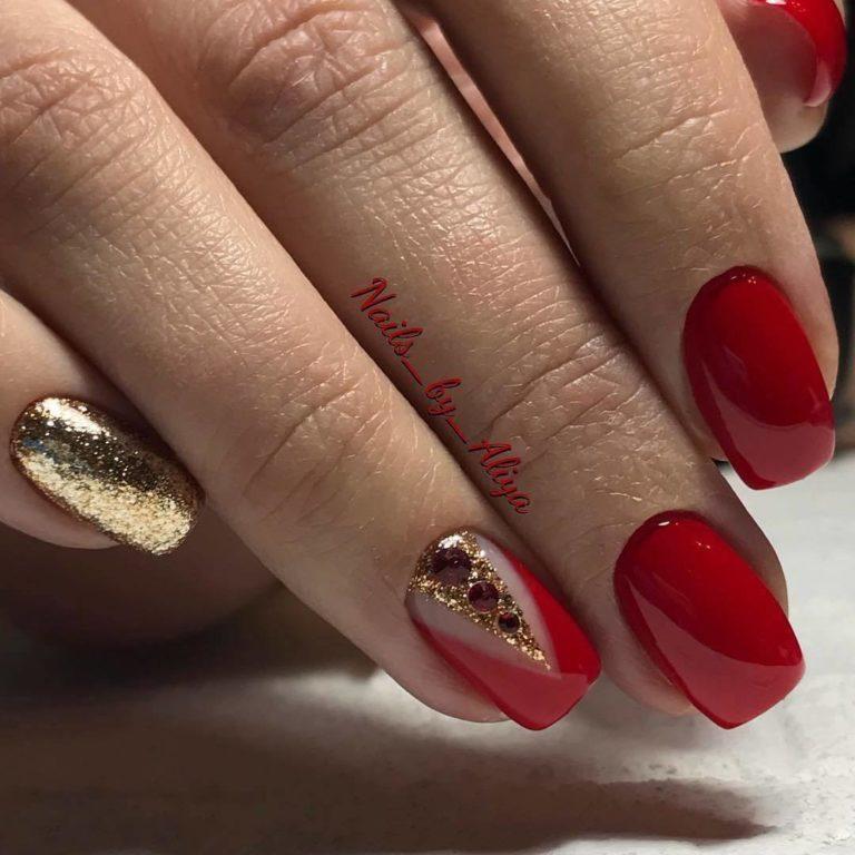 Vivid nails