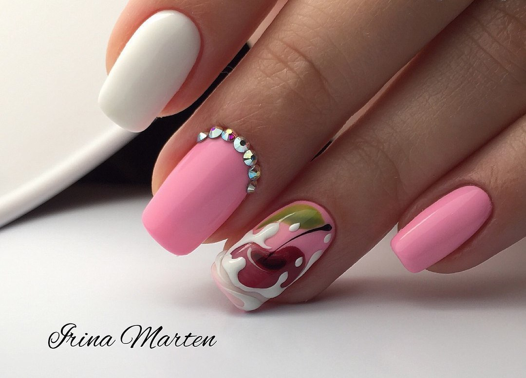 Two-color nails