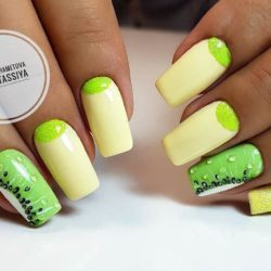 Green and yellow nails photo